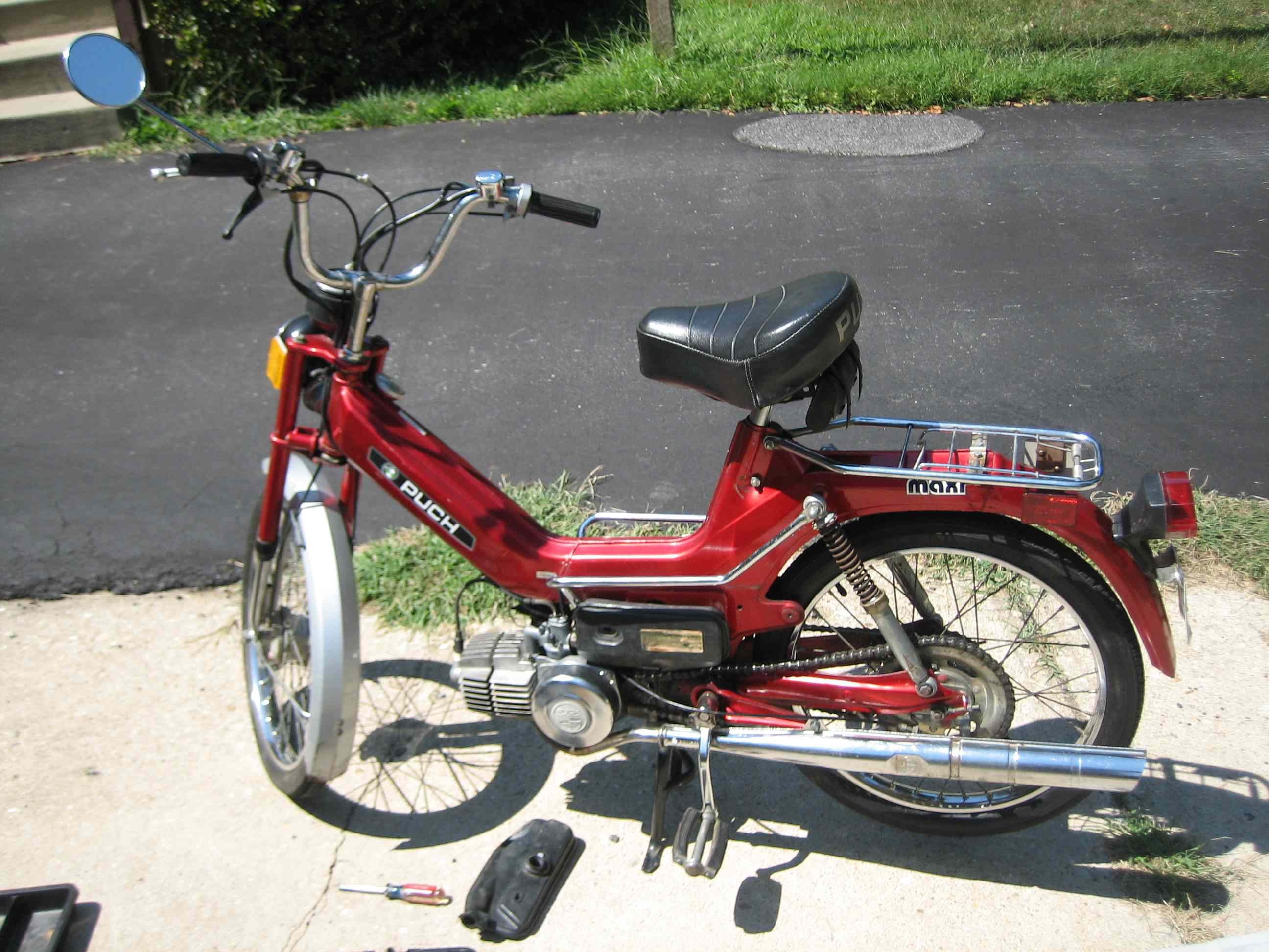 1977 Puch Maxi - Bogs at full throttle — Moped Army