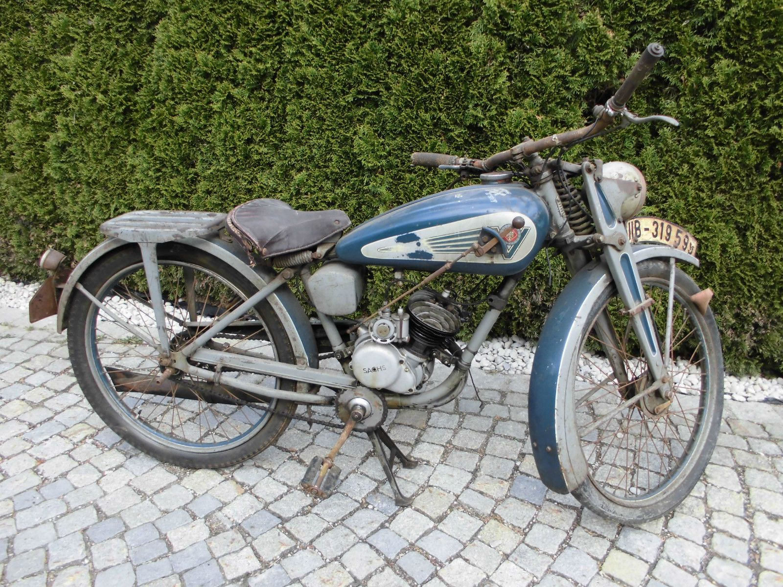 Re: Coolest Ebay offering of the week..... [by ajwasp] — Moped Army