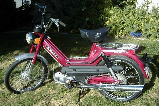 1212635834_puch_moped.jpg