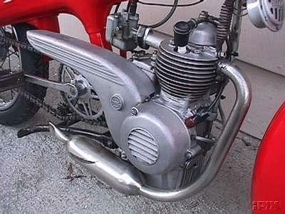 1962 Motom C, Red Engine Closeup