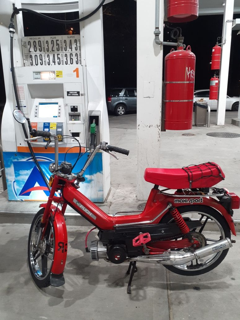 1978 Puch Newport, Red