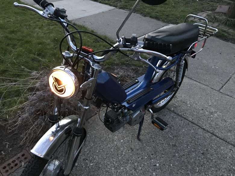 Moped photo for amazing_riffy
