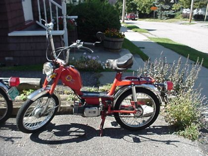 1977 Intramotor Gloria Scout, Red