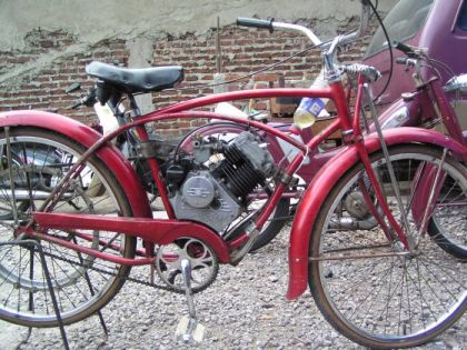 1939 Whizzer Cyclone, Red