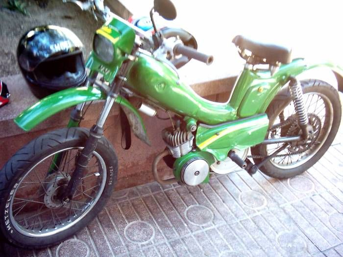 1962 Mobylette AV49, Green and Yellow
