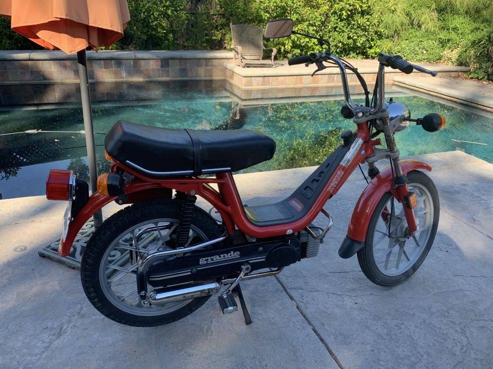 1980 Vespa Grande Super Deluxe, Red