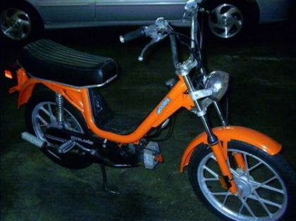 1979 Vespa Grande, Custom Orange