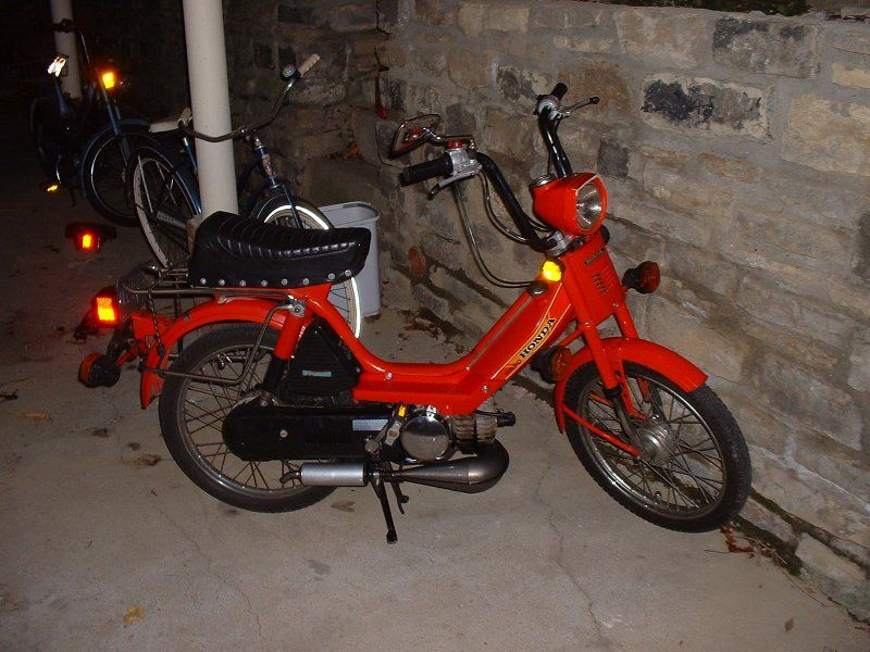 1982 Honda PA50 II, Red