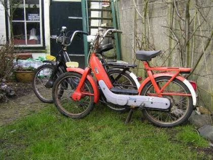 1975 Vespa Ciao, A pair in Holland
