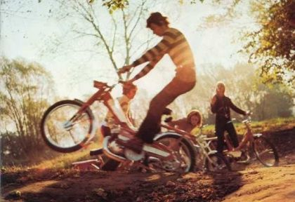 Motobecane, Boy doing wheelie