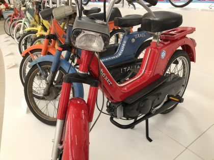 1970 Vespa Boxer, Red
