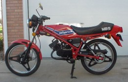 1982 Honda MB-5 (Red)