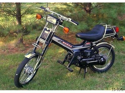 Honda on Moped Photo Gallery   1982 Honda Urban Express  Black