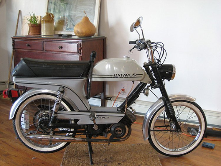 1977 Batavus Starflite HS, White | Moped Photos — Moped Army  Batavus