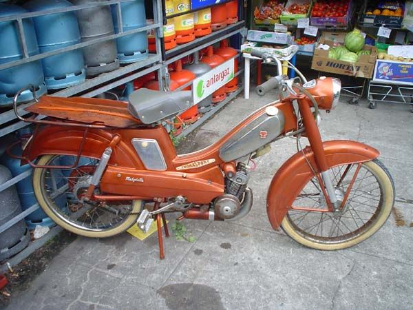 Mobylette AV89 | Moped Photos — Moped Army