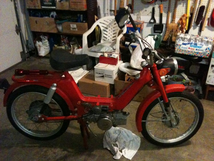 1976 Columbia Commuter (Red)