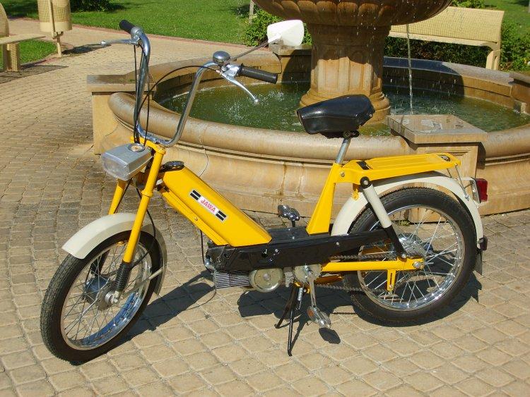 Jawa moped 16