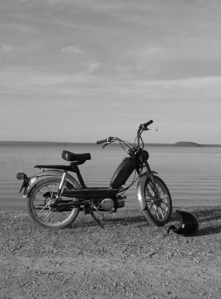 1978 hercules prima 5 on the beach moped photos moped army. Black Bedroom Furniture Sets. Home Design Ideas