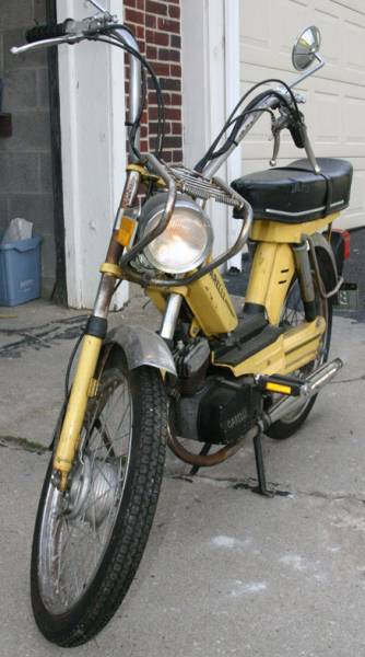 1979 Garelli VIP 2V (Yellow, Front View)