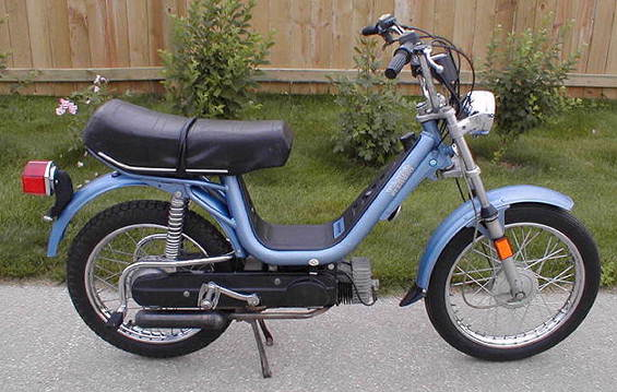 1979 Vespa Grande (Light Blue)
