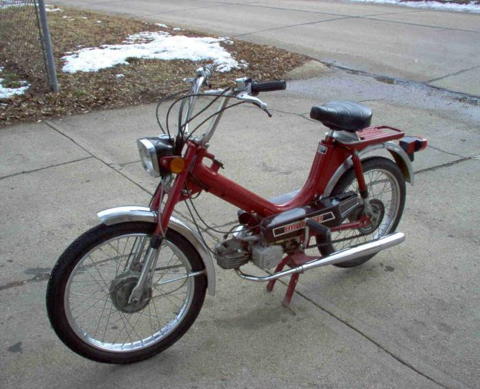 1980 Columbia Imperial (Red)