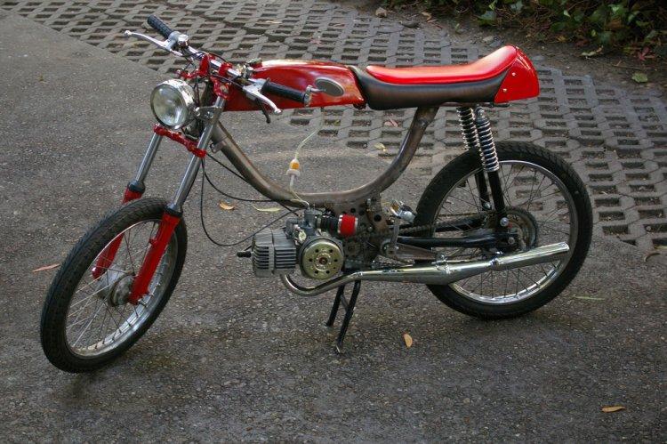 trabajo - Construcción de una moto de 49 cc, con partes de bicicleta - Página 3 Moped_19