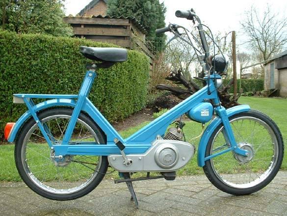 1968 Moto Guzzi Trotter (Blue)