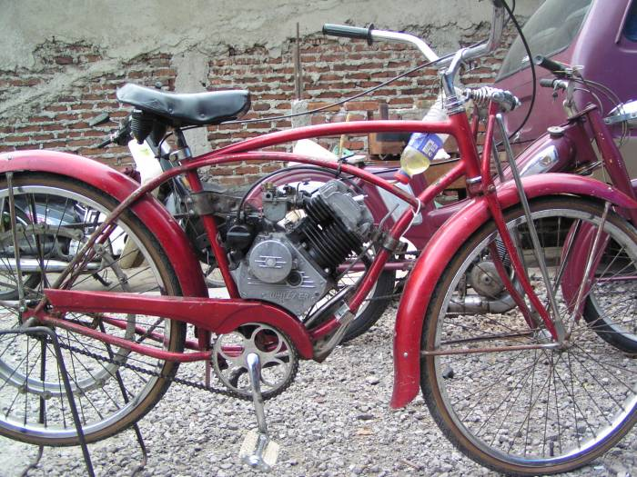 1939 Whizzer Cyclone (Red)
