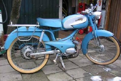 1960 Peugeot Super Sport (Baby Blue)