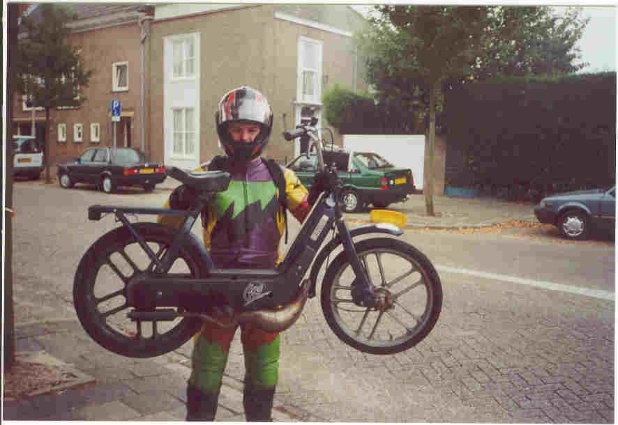 Vespa (Racing Vespa!95km/h)