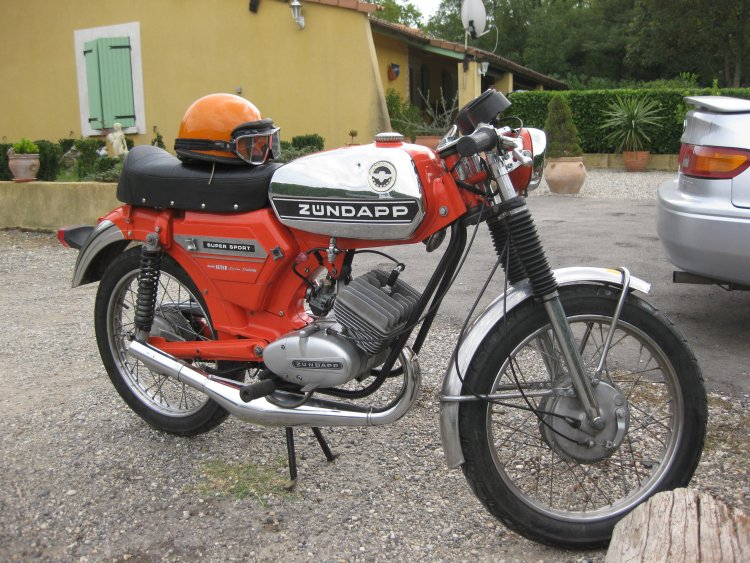 1975 zndapp ks 50 super sport red moped photos moped army. Black Bedroom Furniture Sets. Home Design Ideas